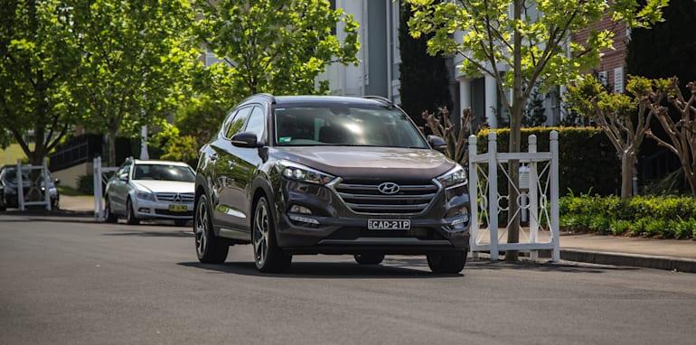 Hyundai Tucson V Honda CR-V-1-77