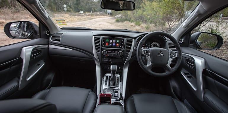 2016 Toyota Fortuner GXL V Mitsubishi Pajero Sport Exceed-53
