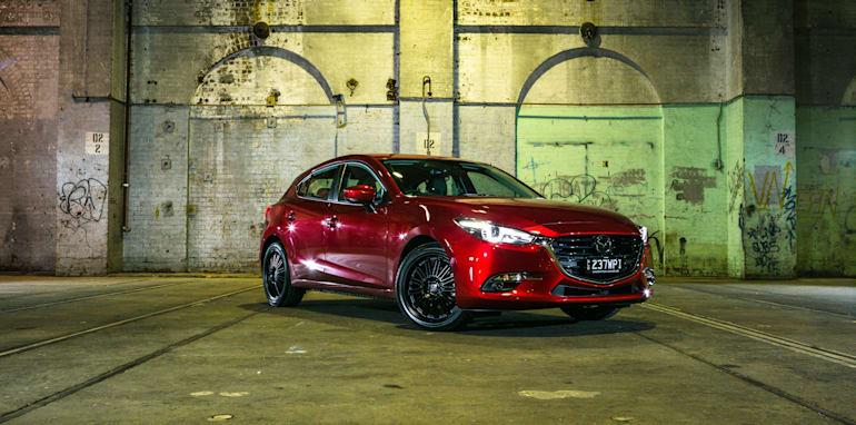 2016 Small Hatch Comparison Mazda 3 SP25 Astina V Volkswagen Golf 110TSI Highline V Hyundai i30 SR Premium-29