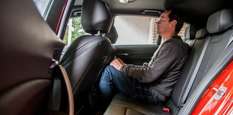 2015-bmw-125i-v-mercedes-benz-a250-sport-interior-13