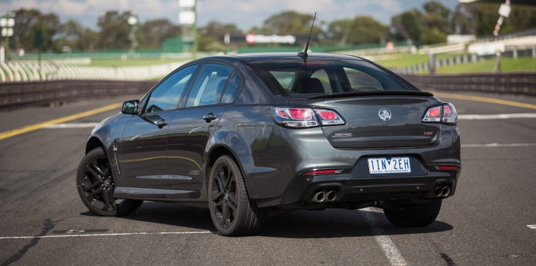 2017-ford-mustang-gt-v-holden-commodore-ss-track-32