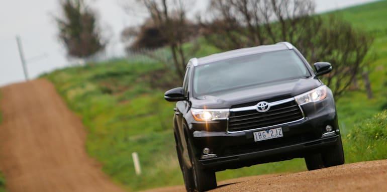 Nissan-Pathfinder-Hybrid-v-Toyota-Kluger-29