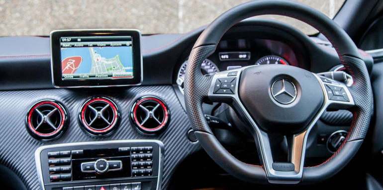 2015-bmw-125i-v-mercedes-benz-a250-sport-interior-32