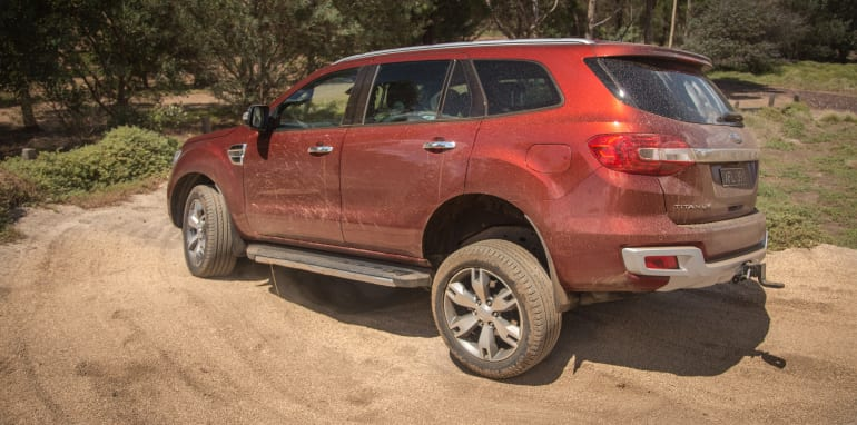2016-ford-everest-titanium-v-toyota-prado-off-road-74
