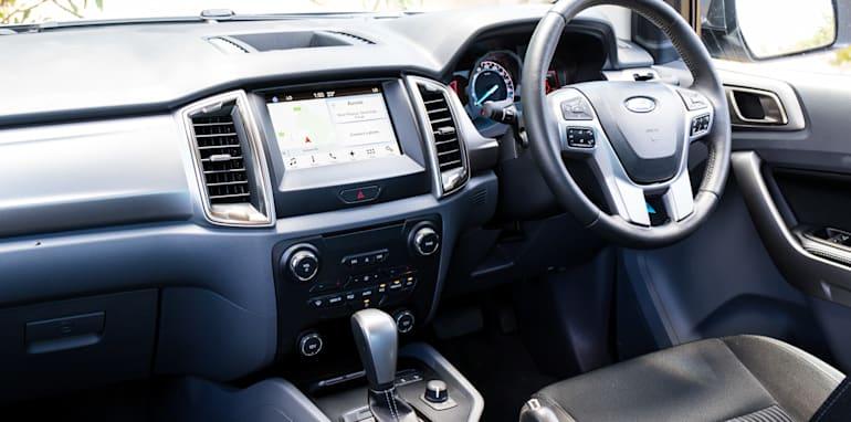 2017-ford-ranger-xlt-v-volkswagen-amarok-v6-41