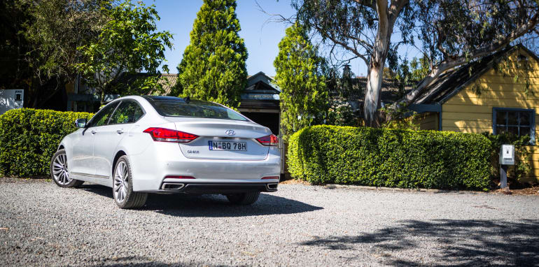 2016 Luxury sedan comparison Hyundai Genesis Ultimate v Jaguar XF 20d Prestige v Infiniti Q70 GT v Lexus GS200t F Sport v Skoda Superb sedan 206TSI-208