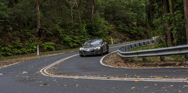 2015 Tesla Model S P85D v 2015 Audi RS7-114