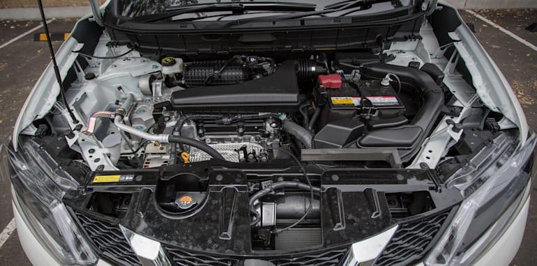 2016-Nissan-Xtrail-comparison-29