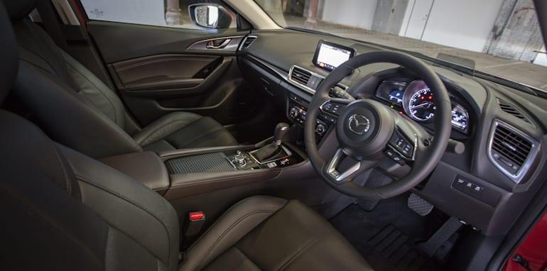 2016 Small Hatch Comparison Mazda 3 SP25 Astina V Volkswagen Golf 110TSI Highline V Hyundai i30 SR Premium-97