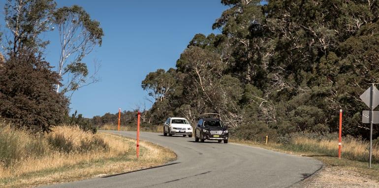 2016 Volkswagen Passat Alltrack 2.0TDI v 2016 Subaru Outback 3.6R Premium-44