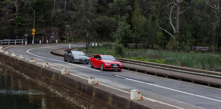 2015 Tesla Model S P85D v 2015 Audi RS7-100