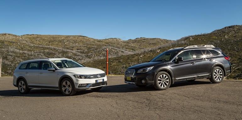 2016 Volkswagen Passat Alltrack 2.0TDI v 2016 Subaru Outback 3.6R Premium-1