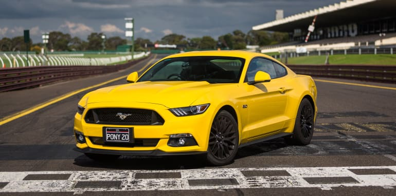 2017-ford-mustang-gt-v-holden-commodore-ss-track-36