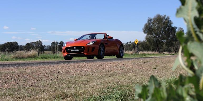 Jaguar-F-Type-Porsche-Boxster-Comparison-17