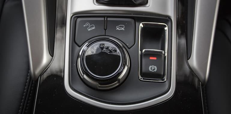 2016 Toyota Fortuner GXL V Mitsubishi Pajero Sport Exceed-56