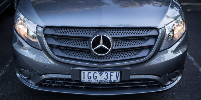 2016 Comparison Volkswagen Caravelle V Mercedes Valente-86