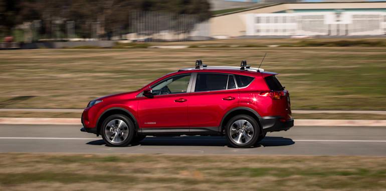 2015-RAV4-CX5-TUCSON-FORESTER-4-car-medium-suv-comparison-28
