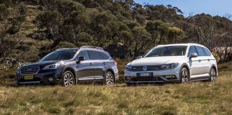 2016 Volkswagen Passat Alltrack 2.0TDI v 2016 Subaru Outback 3.6R Premium-8