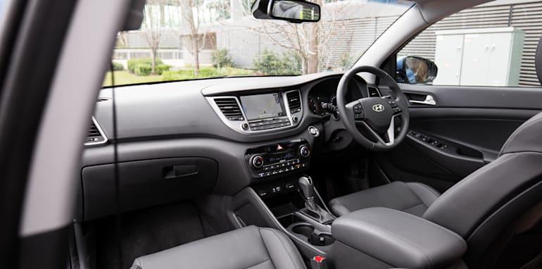 2015-RAV4-CX5-TUCSON-FORESTER-4-car-medium-suv-comparison-100