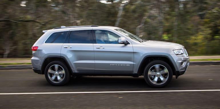 2016-jeep-grand-cherokee-volkswagen-touareg-comparison-60