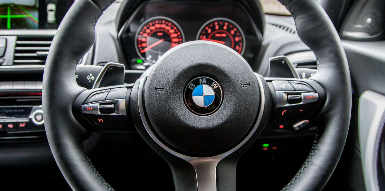 2015-bmw-125i-v-mercedes-benz-a250-sport-interior-23