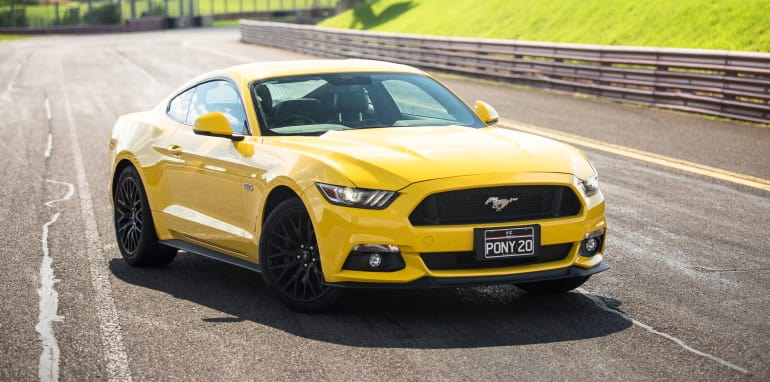 2017-ford-mustang-lt-18