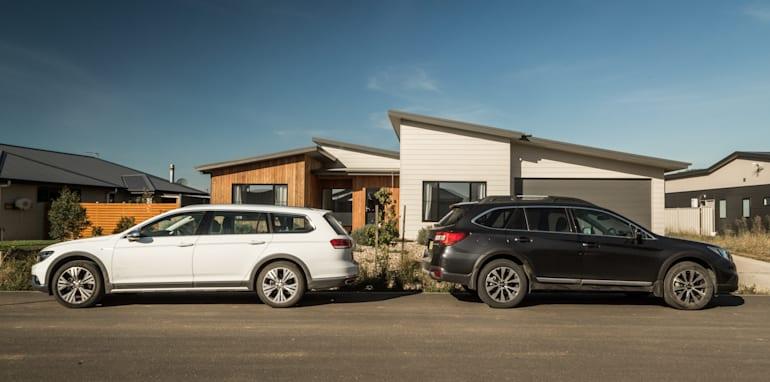 2016 Volkswagen Passat Alltrack 2.0TDI v 2016 Subaru Outback 3.6R Premium-87