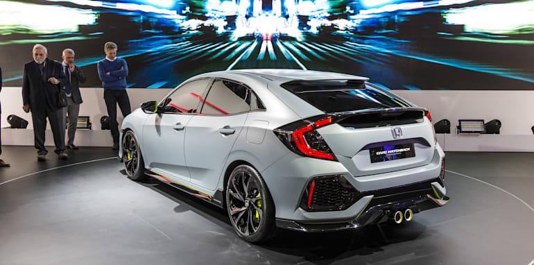2016-Geneva-Motor-Show-98
