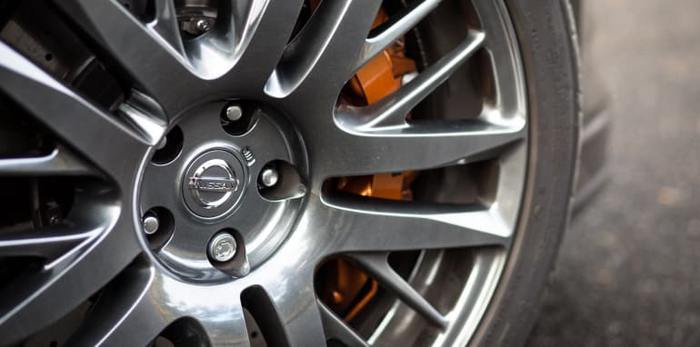 2015-porsche-911-turbo-v-nissan-gtr-comparison-92