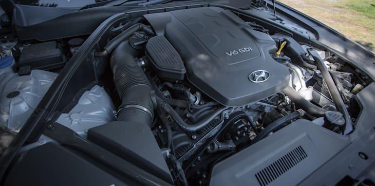 2016 Luxury sedan comparison Hyundai Genesis Ultimate v Jaguar XF 20d Prestige v Infiniti Q70 GT v Lexus GS200t F Sport v Skoda Superb sedan 206TSI-163