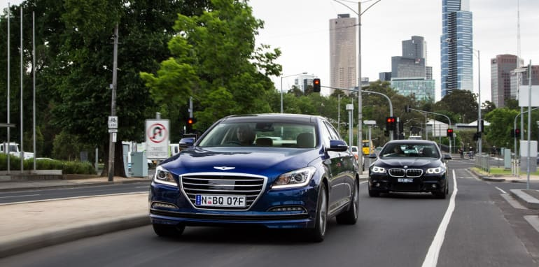2014-HYUNDAIandBMW-528i-vs-genesis-comparison-119