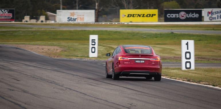 2015-tesla-model-S-p85D-v-v8-supercar-v-walkinshaw-w507-race-48