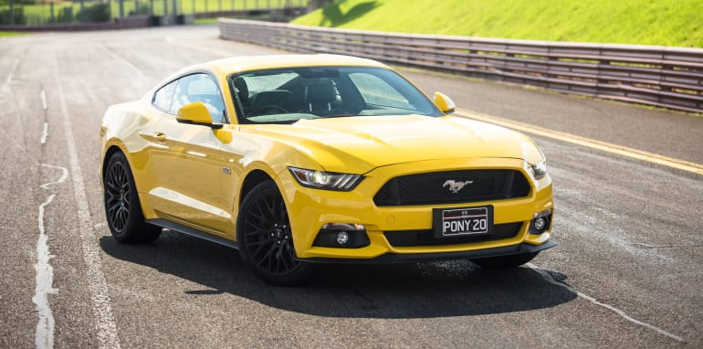 2017-ford-mustang-gt-v-holden-commodore-ss-track-27