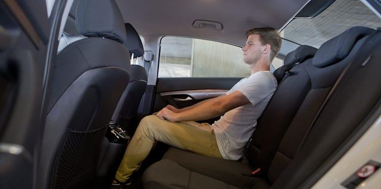 Mid-size Sedans - Hyundai i40 rear seat