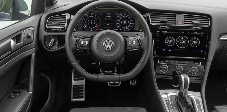2017_volkswagen_golf-r_03