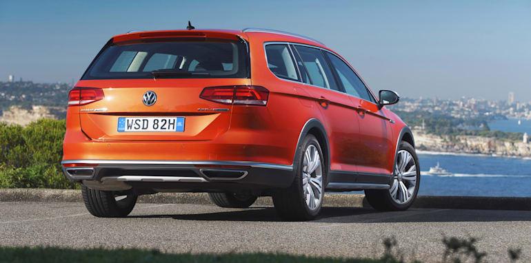 2016-Volkswagen-Passat-Alltrack-49