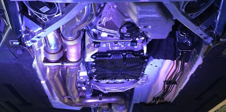 BMW-M4-ExhaustSystem-2