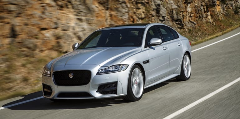 2016 Jaguar XF Review - 14