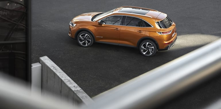 ds-7-crossback__03
