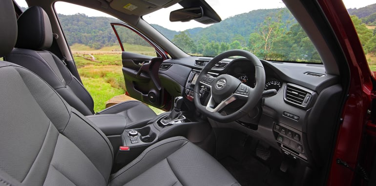 2017-nissan-x-trail-review-xt_int1