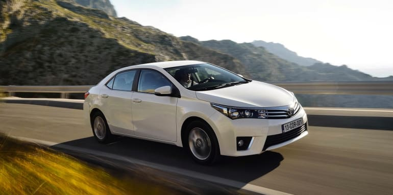 Toyota Corolla Sedan EU Spec - 1