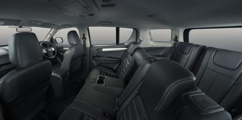 rf20-interior-panorama-no-background-ls-t-leather