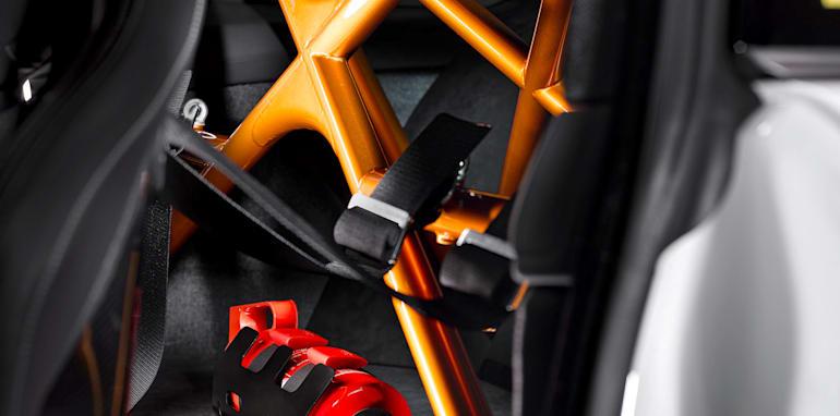bmw-m4-gts-dtm-safety-brace