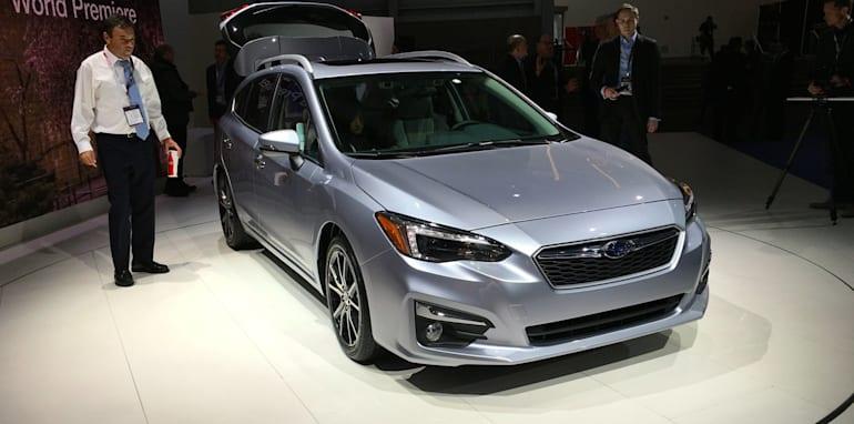 2017-Subaru-Impreza-hatch-and-sedan-NY-auto-show-08