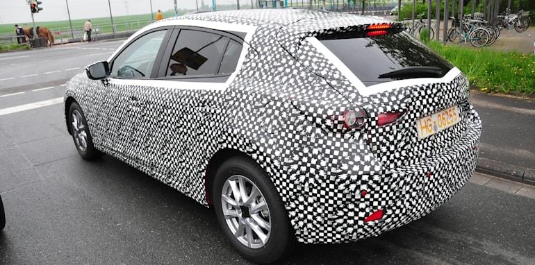 Mazda3 spy traffic lights