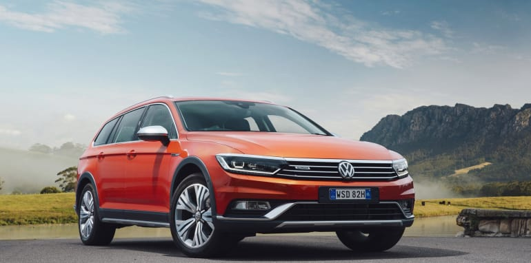 2016-Volkswagen-Passat-Alltrack-44