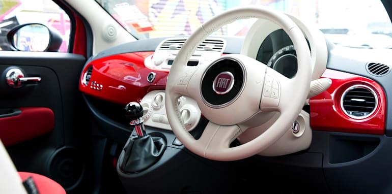 2013-Fiat-500-1