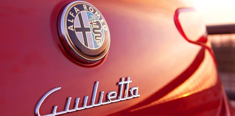 2012-alfa-romeo-giulietta-tct-logo