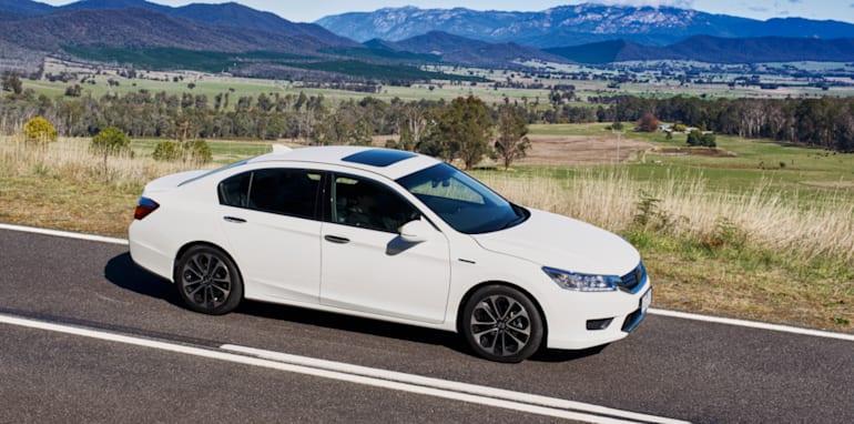 Honda_Accord_Sport_Hybrid_08