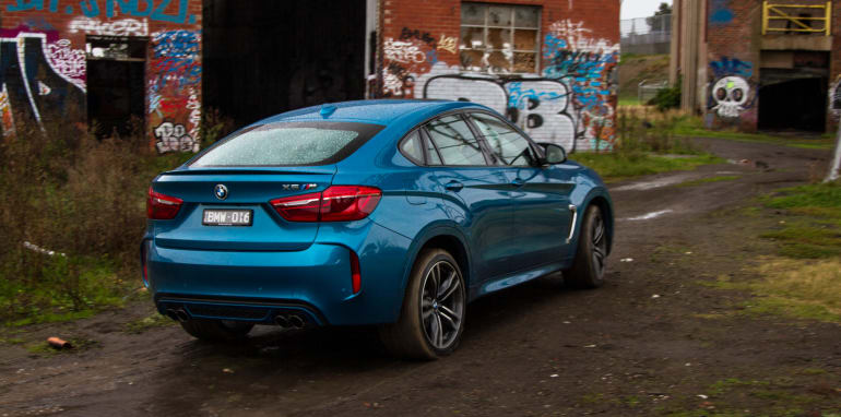 2015-BMW-X6M-SUV-38